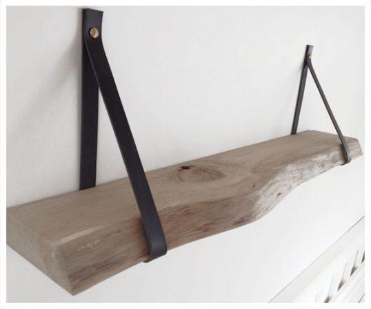 Corfixens hylde med læderstropper